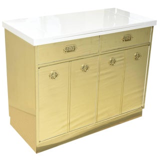 1970s Mid-Century Modern Mastercraft Polished Brass and White Lacquered Wood Dry Bar or Cabinet For Sale