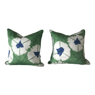 Boho Chic Thibaut Emerald Sunburst Pillow Cases - a Pair For Sale