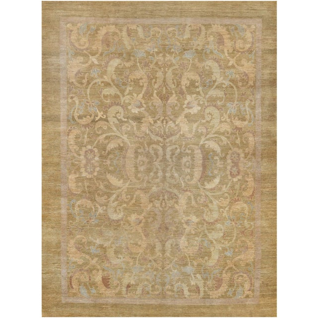 Brand new European design rug from Pakistan. This unique and distinctive rug features a masterful color combination and it...