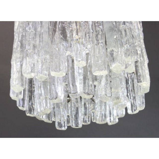 White 1960s Large Murano Ice Glass Chandelier by Kalmar, Austria, 1960s For Sale - Image 8 of 9