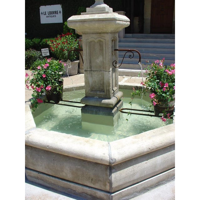 Early 20th Century Carved Octogonal Limestone Center Fountain from Provence For Sale - Image 5 of 5