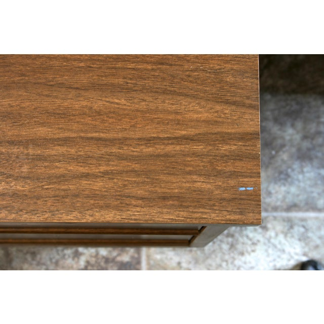 Brown Mid Century Modern 2-Drawer Nightstand For Sale - Image 8 of 9