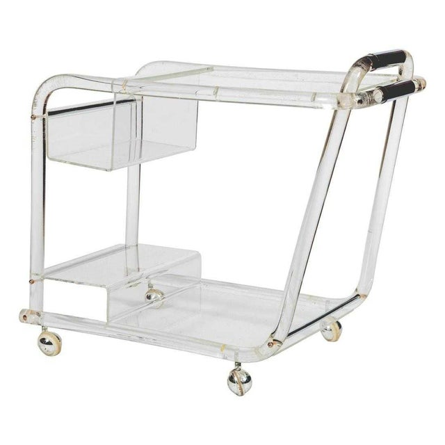 1970s Mid-Century Modern Lucite and Chrome Modern Tubular Bar Cart For Sale - Image 4 of 4