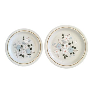 1960s Mid-Century Modern Kingsbury Stoneware Country White Dinnerware, Platters - a Pair For Sale