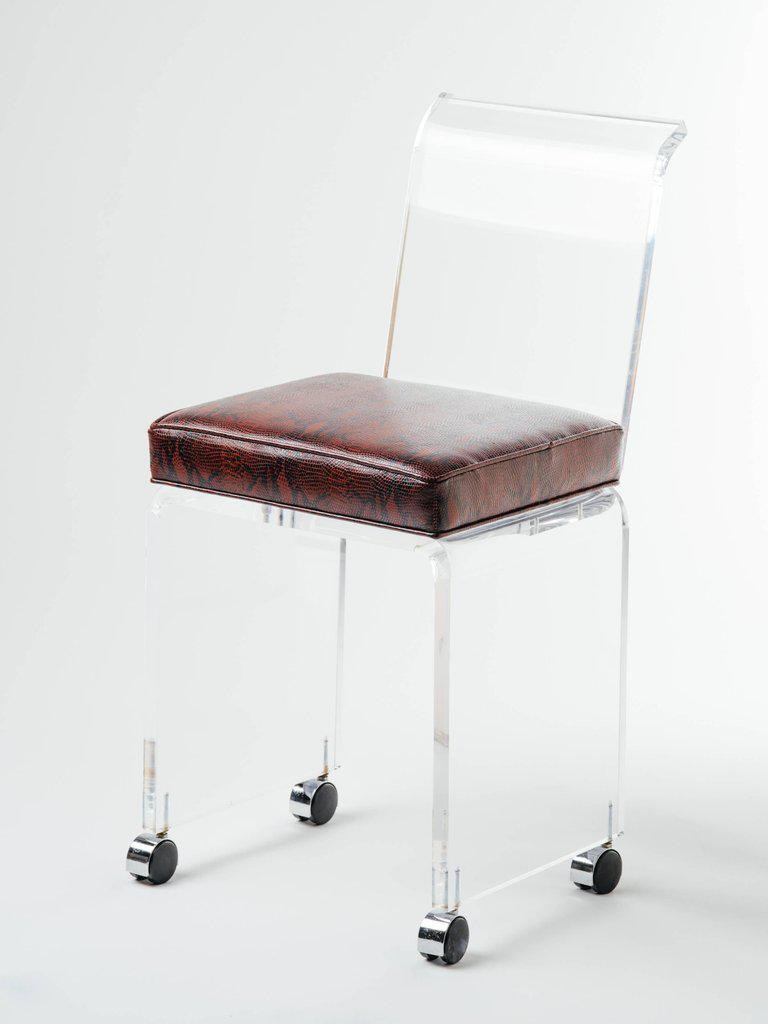 1970s Mid Century Modern Lucite Vanity Stool In Red Leather Snakeskin For  Sale   Image