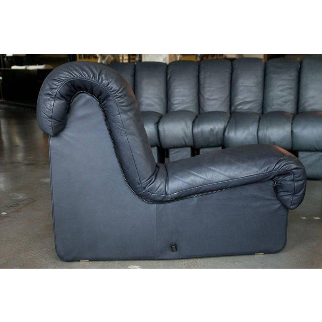 De Sede Ds-600, Non-Stop Sofa, 21 Sections in Charcoal Blue Leather For Sale - Image 9 of 13