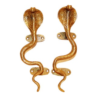 Antiqued Hollywood Regency Brass Cobra Snake Door Handles - a Pair For Sale