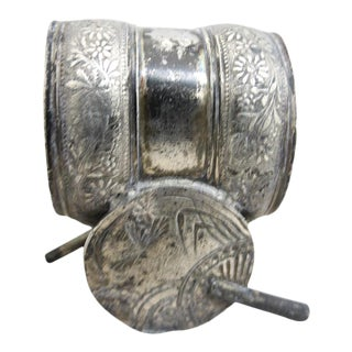 Napkin Ring With Two Chinese Fans and Chrysanthemum Flowers For Sale