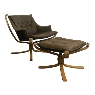 1980s Scandinavian Sigurd Ressell for Vatne Møbler Falcon Chair & Ottoman - 2 Pieces For Sale