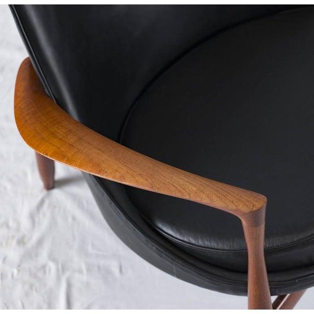 "Ib Kofod-Larsen ""Elizabeth"" Chair For Sale - Image 9 of 10"
