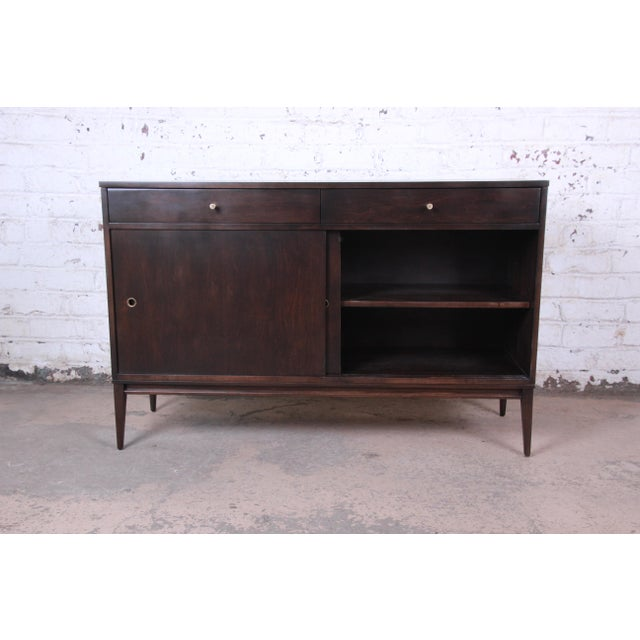 Paul McCobb Planner Group Sliding Door Sideboard Credenza or Record Cabinet For Sale In South Bend - Image 6 of 12