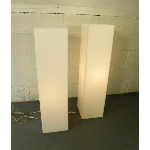 Vintage Mid-Century Modern Lit Art Pedestals - a Pair For Sale In New York - Image 6 of 6