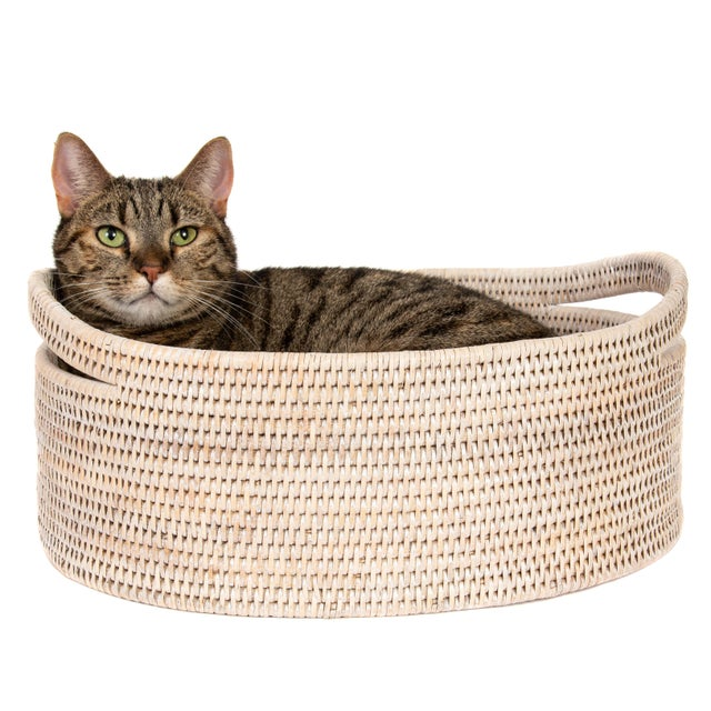 Artifacts Rattan Oval Basket With Cutout Handles in White Wash For Sale - Image 4 of 6