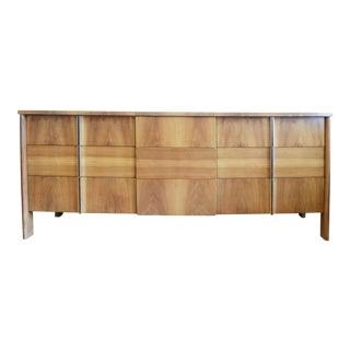 1950s Mid Century Modern Dale Ford for John Widdicomb 9 Drawer Walnut Dresser For Sale