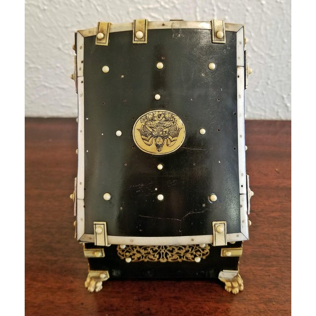 18th Century Anglo-Indian Vizigapatam Pocket Watch Display Box For Sale In Dallas - Image 6 of 13