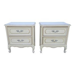 French Painted Pair of Nightstands Side End Tables For Sale