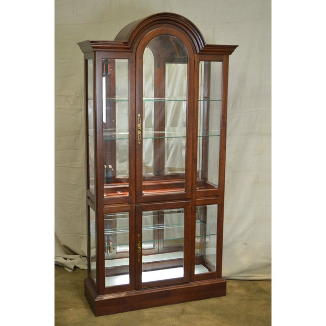Item 15346 Ax Pennsylvania House Cherry Lighted Curio Display Cabinet Age