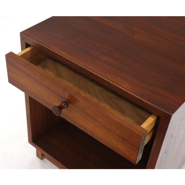 Pair of Cube Shape Oiled Walnut One Drawer Mid-Century Modern End Tables Stands For Sale - Image 10 of 13