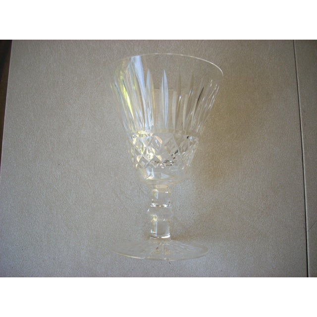 An impressive size for fine wine; the distinctive sparkle and fire of Waterford crystal elevates even a vin ordinaire be...