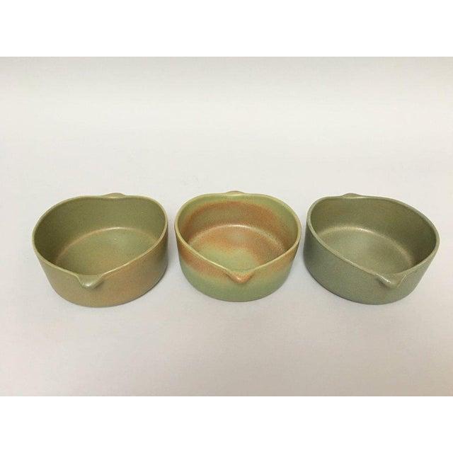 Contemporary Bennington Potters Stoneware Lug Bowls - Set of 3 For Sale - Image 3 of 11