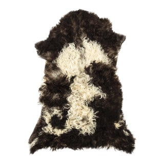 "Contemporary Long Soft Wool Sheepskin Pelt - 2'3""x3'1"" For Sale"