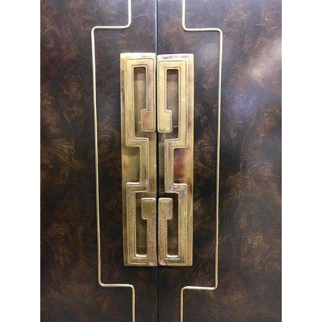 Brass Bernhard Rohne Mastercraft Burled Carpathian Elm and Brass Buffet Server Bar For Sale - Image 7 of 10