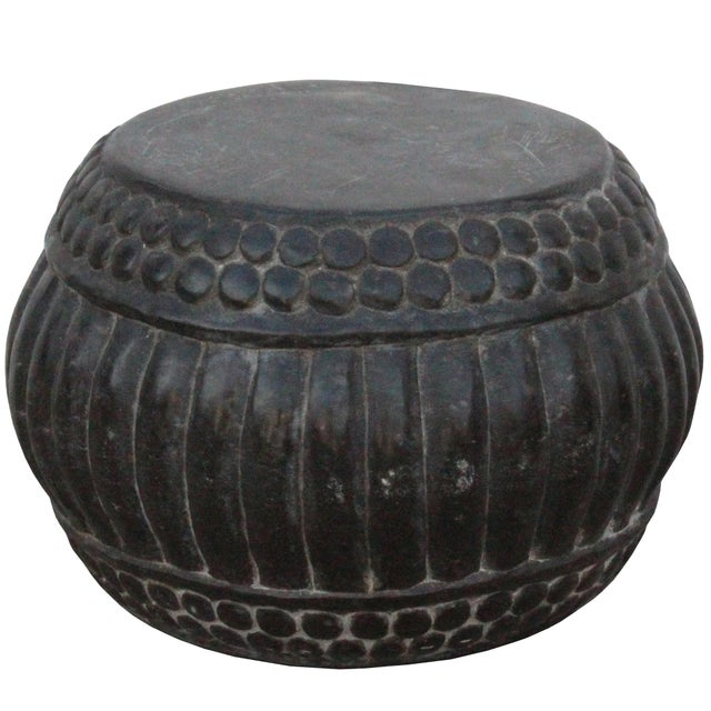 Chinese Gray Stone Carved Round Simple Relief Pattern Stand For Sale In San Francisco - Image 6 of 7