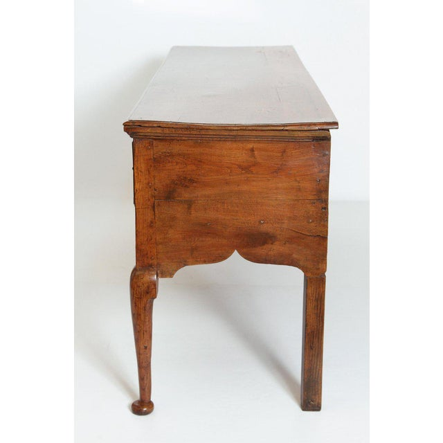 Early 19th Century English Early 19th Century Oak Three Drawer Dresser Base For Sale - Image 5 of 13