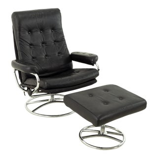 Ekornes Mid Century Black Leather Chrome Base Lounge Chair and Ottoman For Sale