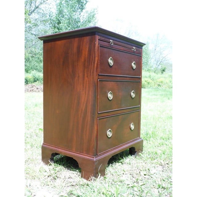 Antique Robert Treate Hogg Custom Solid Mahogany Chest of Drawers Petite Dresser - Image 3 of 11