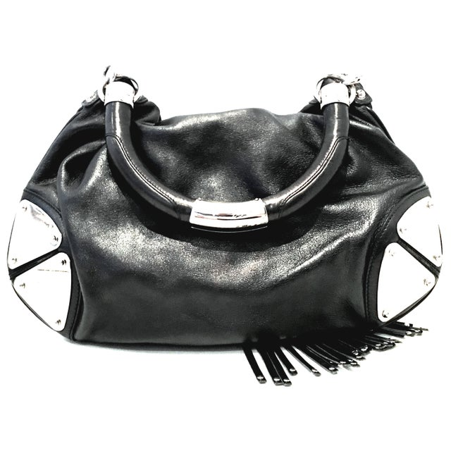 """Contemporary 21st Century Gucci Black Leather & Chrome """"Indy"""" Hobo Hand Bag For Sale - Image 3 of 13"""