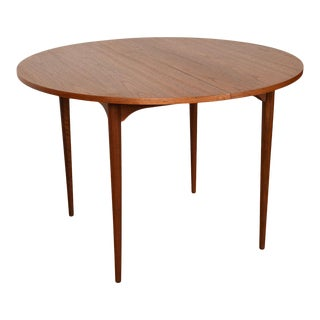 Brown Saltman Petite 42″ Round-To-Oval Walnut Dining Table W/ 2 Leaves For Sale