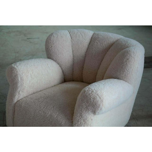 1940s Large Size Club Chair in Lambswool Model 1518 by Fritz Hansen, Denmark, 1940s For Sale - Image 5 of 10