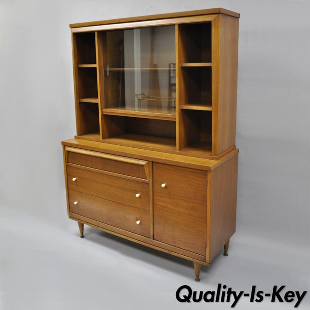 1960s Mid Century Modern Bassett Furniture Walnut Bookcase/Credenza For Sale - Image 13 of 13