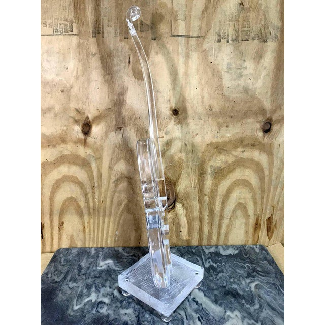 Acrylic Sculpture of a Violin, in the Style Armand For Sale In Atlanta - Image 6 of 11