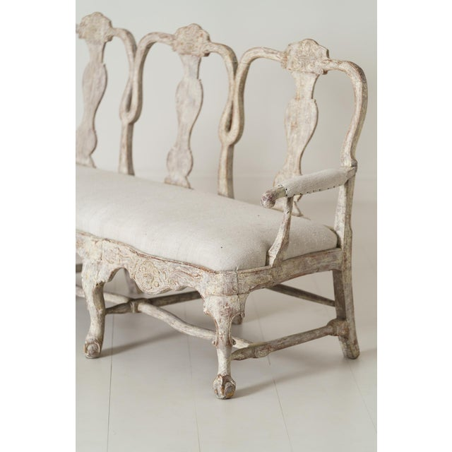 Gustavian (Swedish) 18th Century Swedish Rococo Period Settee or Bench in Original Paint For Sale - Image 3 of 12
