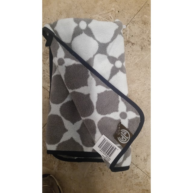 Jonathan Adler Hollywood Hand Towels - A Pair - Image 2 of 4