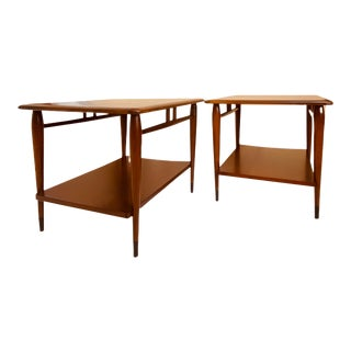 Mid-Century Modern Lane Acclaim Walnut and Oak Side Tables - a Pair For Sale