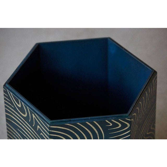 Mid 20th Century Hexagonal Dark Blue Box With Carved Gilded Graphic Pattern For Sale - Image 5 of 9