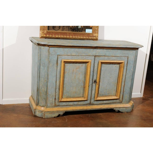 Italian Florentine Light Grey Blue Painted Buffet with Two Doors from the 1820s For Sale In Atlanta - Image 6 of 11