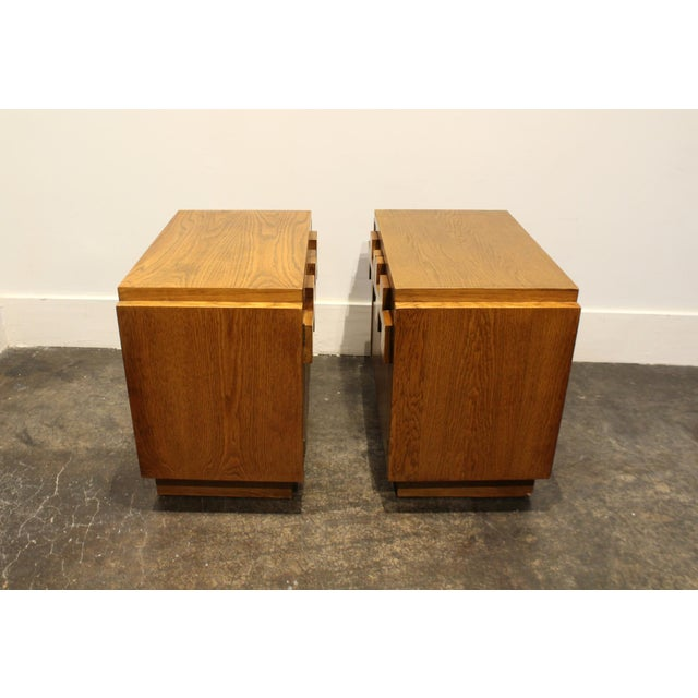 1970s Pair of Oak 1970s Mid-Century Modern Brutalist Nightstands by Lane For Sale - Image 5 of 9