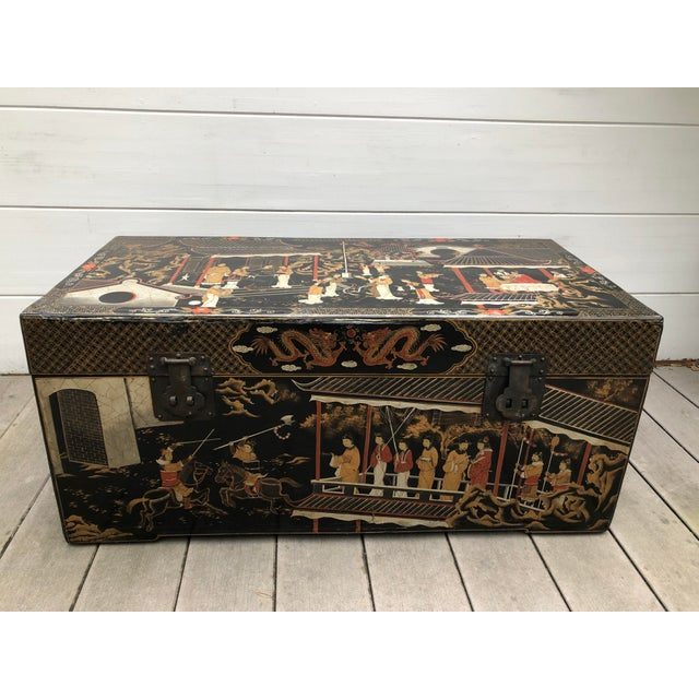 20th Century Hand-Painted Chinese Asian Decorated Storage Chest For Sale - Image 13 of 13