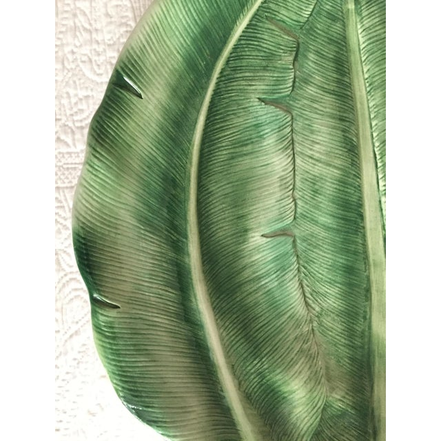 """Green Italian 19"""" Hand-Painted Banana Leaf Platter For Sale - Image 8 of 10"""