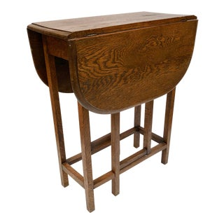 1930s Traditional Oak Drop Leaf Side Table For Sale