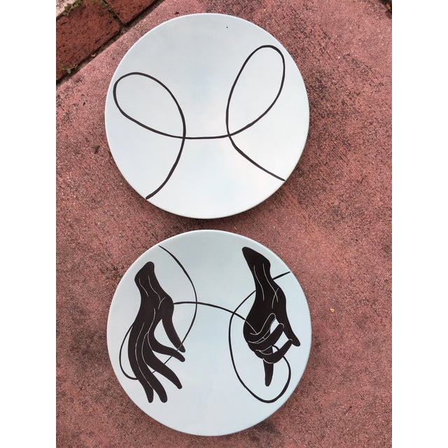 1990's Vintage Global Views Hand & Yarn Plates- A Pair For Sale - Image 9 of 11