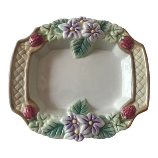 1980s Cottage Fitz & Floyd Majolica Soap Dish For Sale