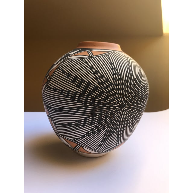 Black Acoma Pueblo Pottery Signed Char Victorino For Sale - Image 8 of 8