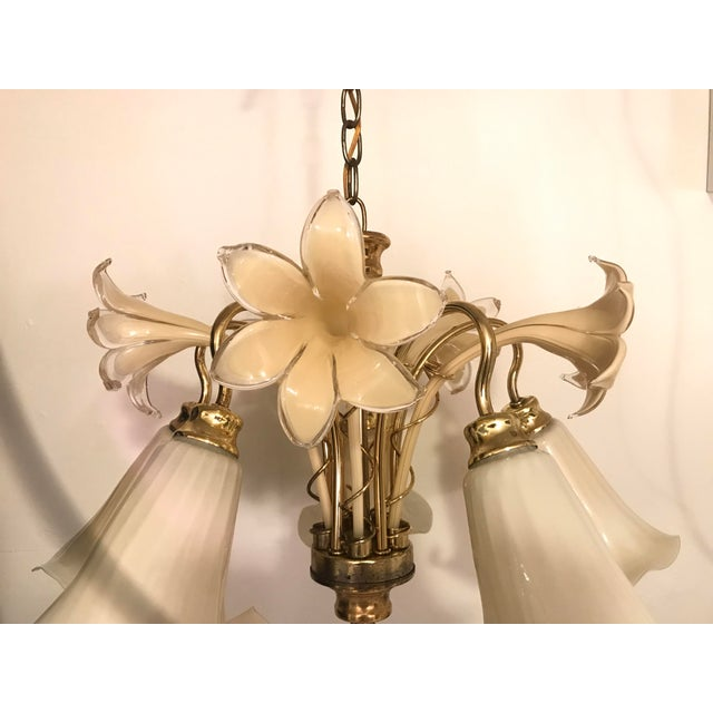 Venini Vintage Mid Century Italy Murano Glass Flower Chandelier For Sale - Image 4 of 13