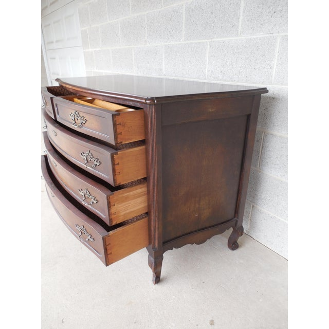 Antique / Vintage Walnut French Louis XV Style 5 Drawer Commode For Sale In Philadelphia - Image 6 of 11