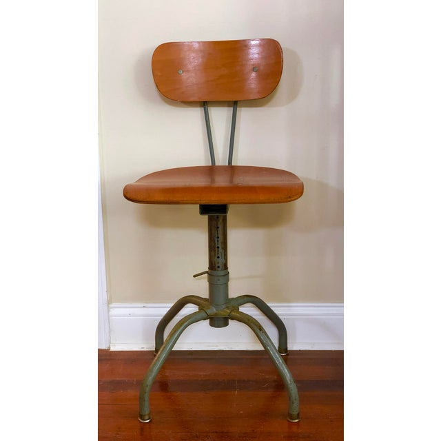 Singer & Sons 1930s Vintage Industrial Singer Sewing Machine Chair For Sale - Image 4 of 11